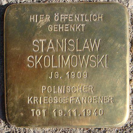 Bild von Buttstädt: Stolperstein für einen ermordeten Polen an der Kreuzung Großemsener Weg/ Neue Straße rechts vor der Pizzeria