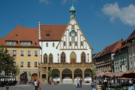 Bild von Amberg: Marktplatz mit gotischem Rathaus