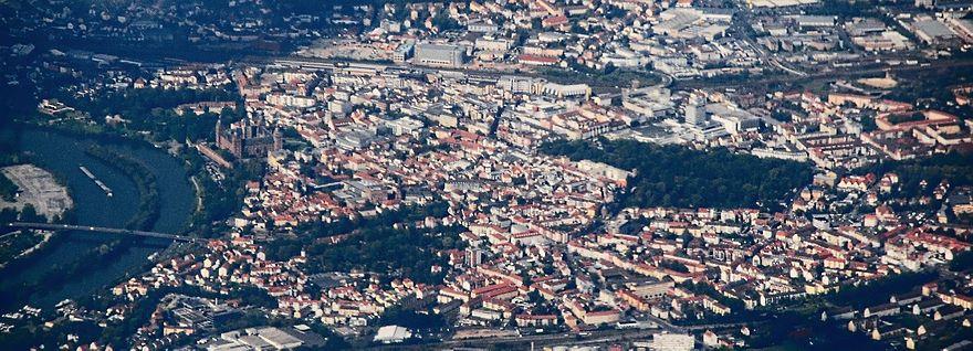 Bild von Aschaffenburg (Landkreis): Die Innenstadt von Aschaffenburg (Luftbild).