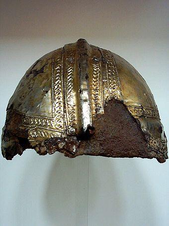 Bild von Augsburg: Spätrömischer Kammhelm (Römisches Museum Augsburg)