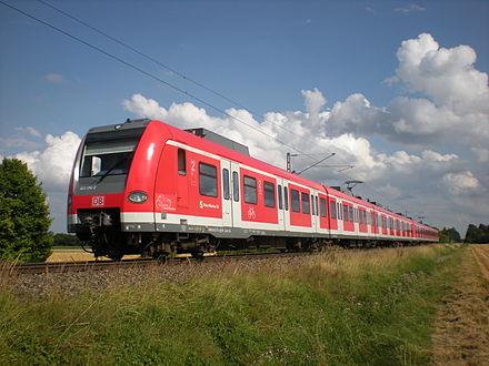 Bild von München (Landkreis): Münchner S-Bahnlinie S7 zwischen Hohenbrunn und Wächterhof