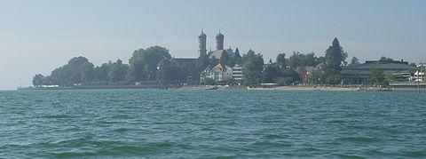 Bild von Friedrichshafen: Blick vom Bodensee auf Schlosskirche und Graf-Zeppelin-Haus