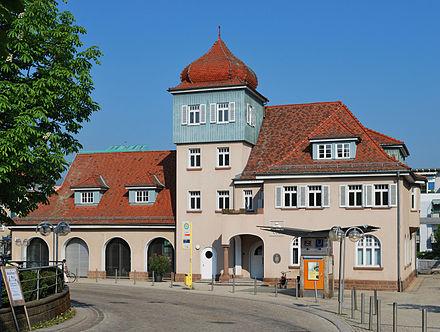 Bild von Gerlingen: Ehem. Feuerwehrhaus von Gerlingen, jetzt Sitz der Volkshochschule