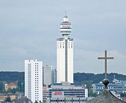 Bild von Frankfurt am Main: Sachsenhäuser Wahrzeichen – der Henninger Turm