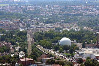Bild von Heilbronn: Bahnanlagen in Heilbronn (Blick nach Südwesten). In der Bildmitte der Hauptbahnhof