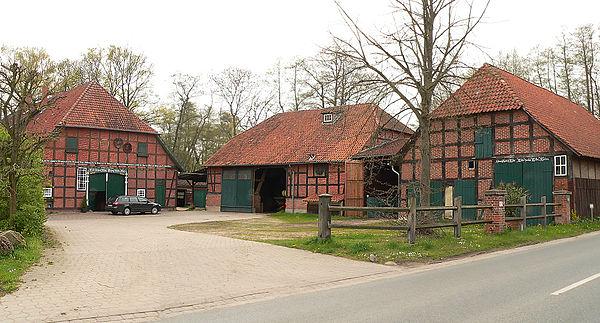 Bild von Wedemark: Typischer Bauernhof in der Wedemark