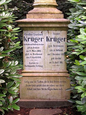 """Bild von Dortmund: Grab Christian Leonhard Krügers, dem Gründer der """"Dortmunder Zeitung"""" auf dem Ostfriedhof"""
