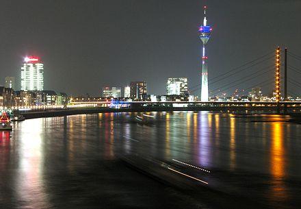 Bild von Düsseldorf: Rheinufer bei Nacht