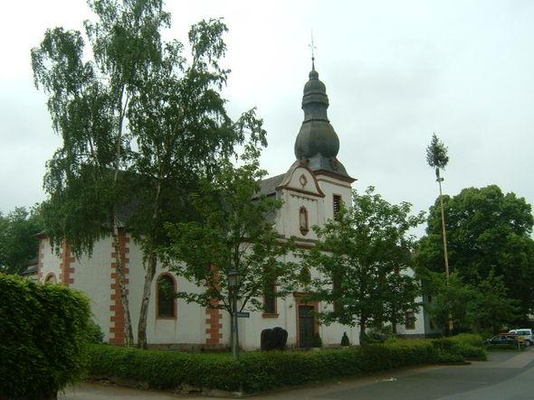 Bild von Körperich: Kirche in Körperich