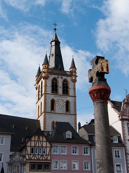 Bild von Trier: Marktkreuz mit Marktkirche St. Gangolf