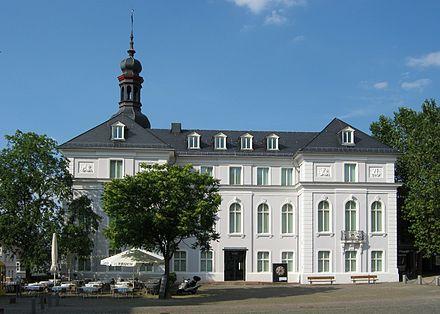 Bild von Saarbrücken: Das Museum für Vor- und Frühgeschichte am Schlossplatz