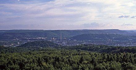 Bild von Saarbrücken: Saarbrücken im Saartal zwischen Schwarzenberg (Vordergrund) und Stiftswald