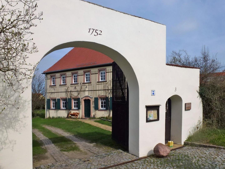 Bild von Großpösna: Pfarrhaus in Seifertshain