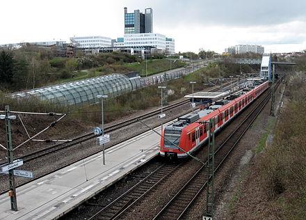Bild von Stuttgart: S-Bahn-Haltestelle Österfeld in Stuttgart