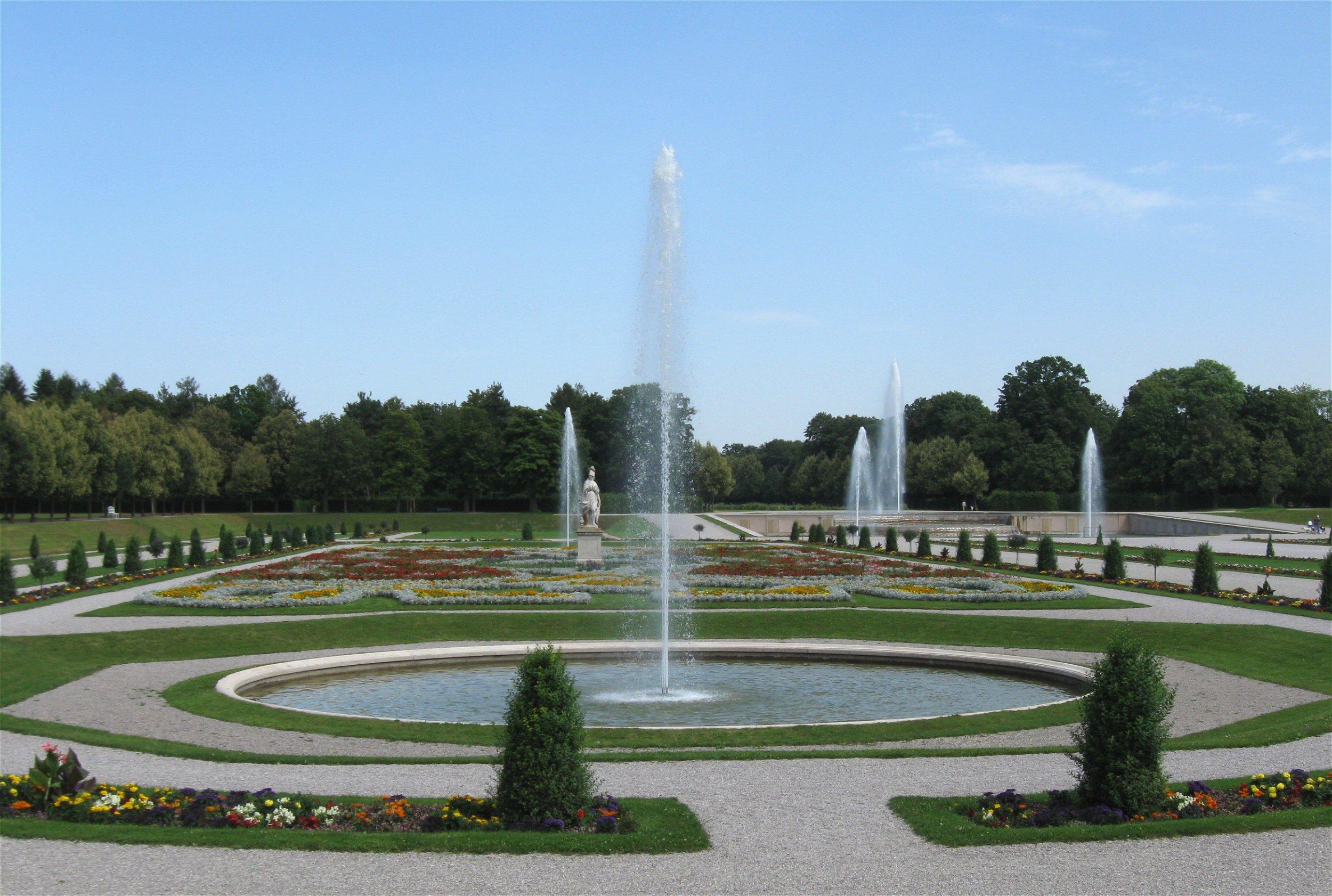 Bild von München (Landkreis): Neues Schloss Schleissheim Gartenparterre-3